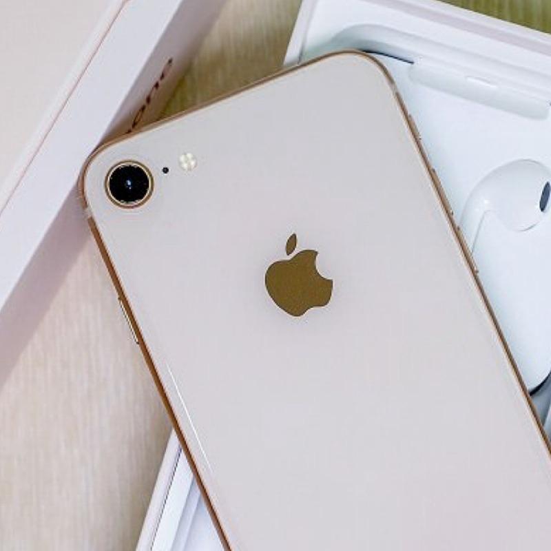 Apple iPhone 8  มือสอง(เครื่องแท้ 100% )  64GB