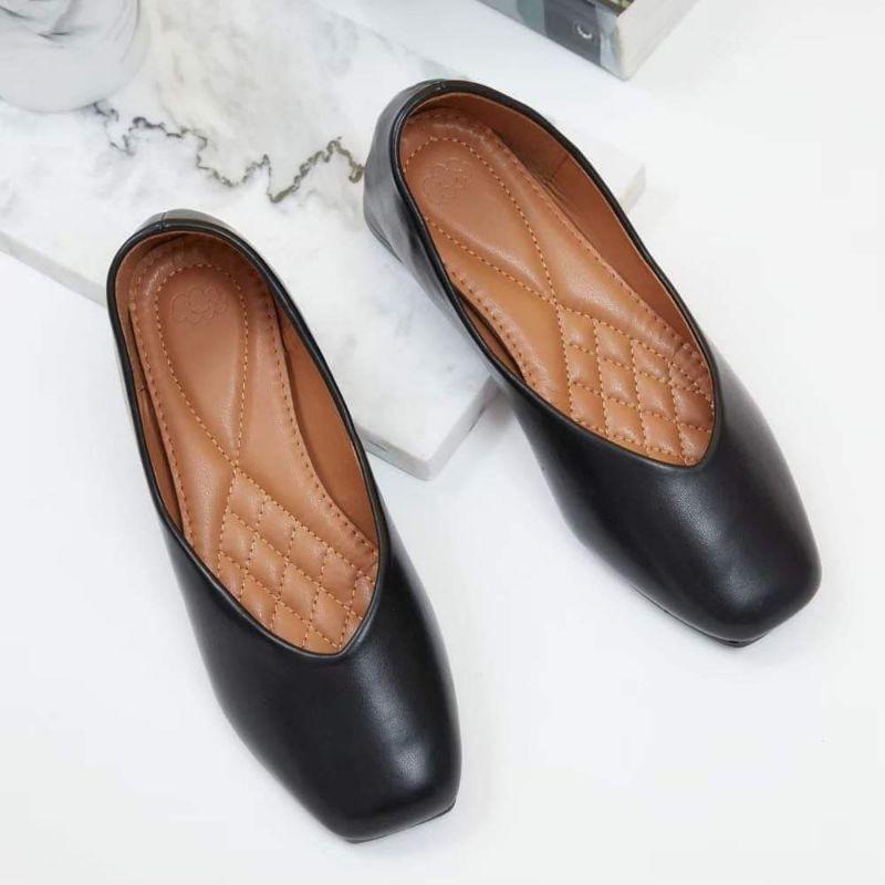 รองเท้าคัชชู มือหนึ่ง สีดำ 38