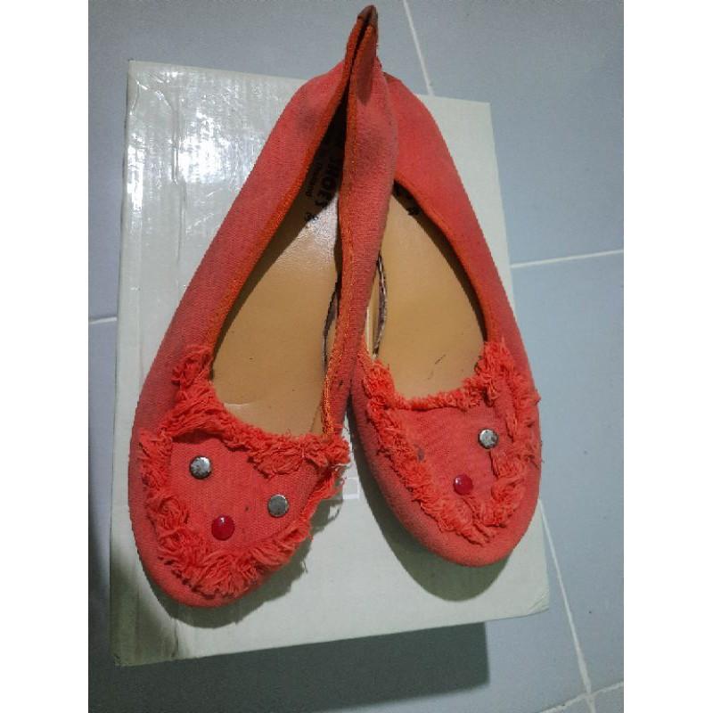 แจกฟรี🎉รองเท้าคัชชู รองเทเามือสอง รองเท้าไซต์38-39