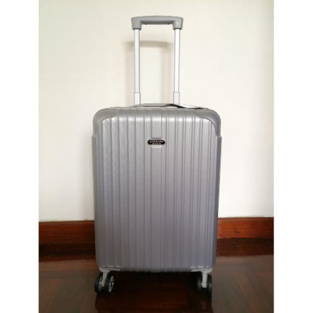 """กระเป๋าเดินทางล้อลาก ขนาด 20""""  ยี่ห้อ CAGGIONI CORPORATE  สีเงิน  ของพรีเมี่ยมscb ออกแบบพิเศษ  รูปทรงสวยงาม บอดี้แข็งแรง"""