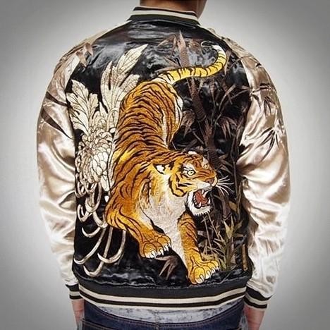 SUKAJAN พรีเมียมเกรด Japanese Souvenir Jacket แจ็คเกตซูกาจันลายพญาเสือ