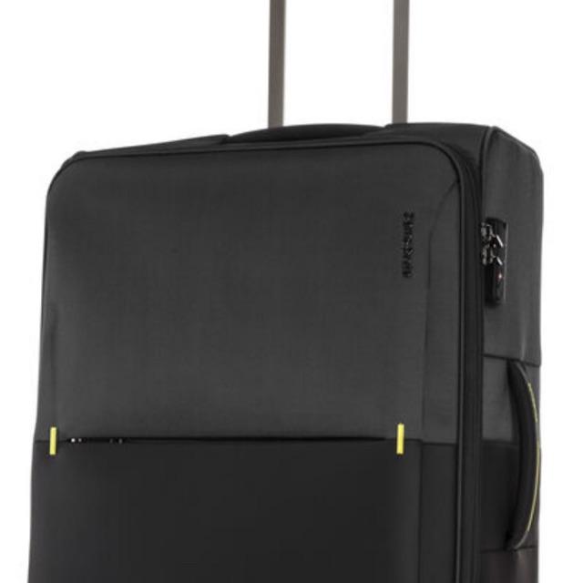 Samsonite กระเป๋าเดินทาง