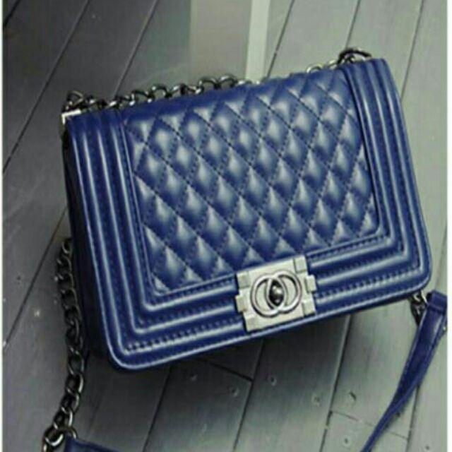 """กระเป๋า ลดกระหน่ำ ราคาถูกที่สุด Chanel Boy 10.5"""""""