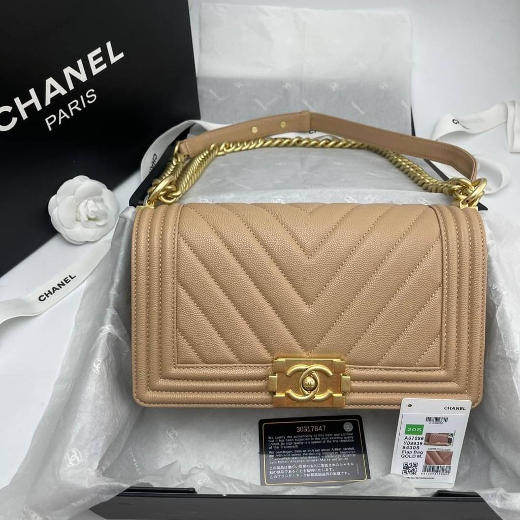 Chanel boy chevron สีเบจ อะไหล่ทอง Grade vip Size 25cm  อปก. fullboxset