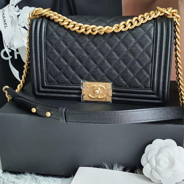 Used Like New Chanel Boy black Caviar 10 ghw holo29