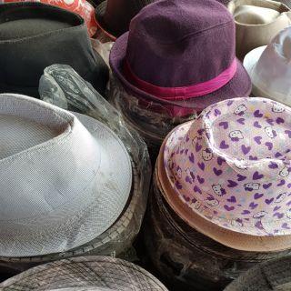หมวกไมเคิ้ลยกแถว แถวละ50ใบ เลือกลายได้ก่อนส่งขนส่ง