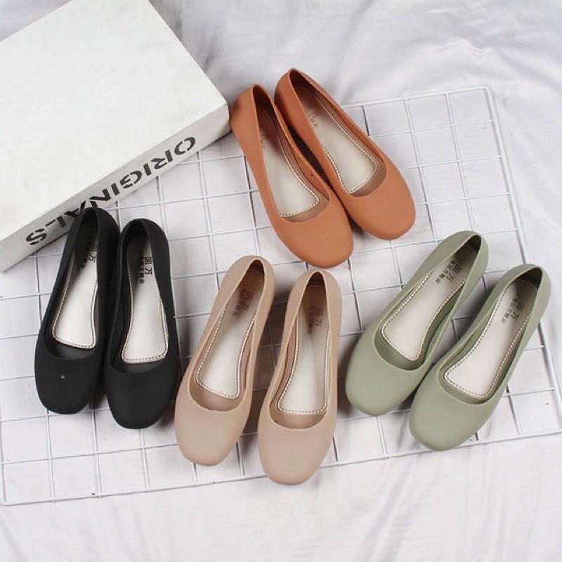 Betweens🔆พร้อมส่ง⚠️(838)รองเท้าคัชชูรัดส้นสีพื้น ซีลิโคนหนากันน้ำ 4สี ใส่สบายเดินเล่นชิล