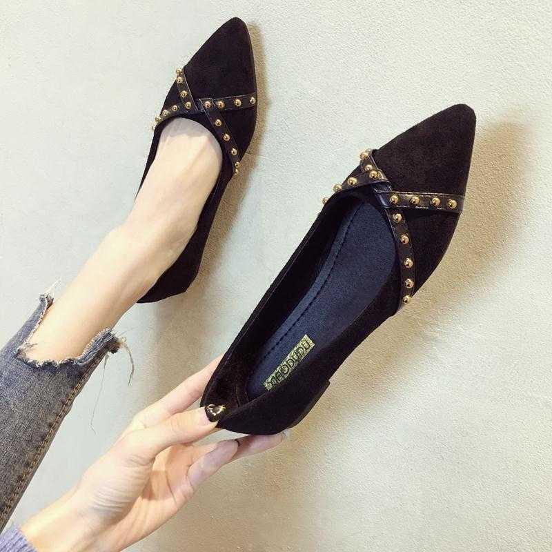 รองเท้าคัชชูหัวแหลมผู้หญิงปากตื้นสีดำปากตื้นรองเท้าถั่ว