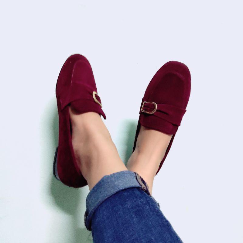 รองเท้าคัชชู ไซส์36 รองเท้ามือสอง สีเลือดหมูเข้ม