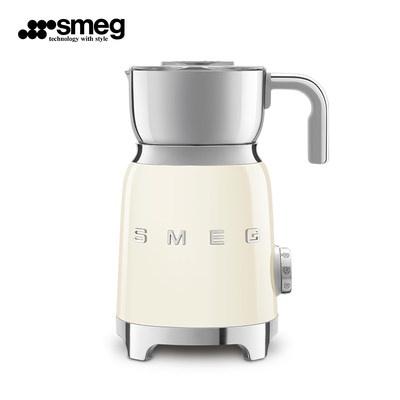 の↻กาแฟSmeg/Smeg เครื่องทำฟองนมในครัวเรือนอัตโนมัติขนาดเล็กร้อนและเย็นเครื่องตีกาแฟนมช็อกโกแลต mff01