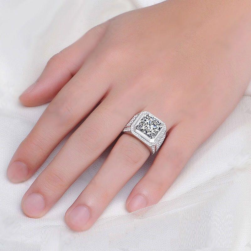ราคาพิเศษ☫☢แหวนผู้ชายทองคำขาว 18K Pure Silver แหวนคู่คู่เพชร Moissan แหวนเพชรหนึ่งกะรัตผู้ชาย