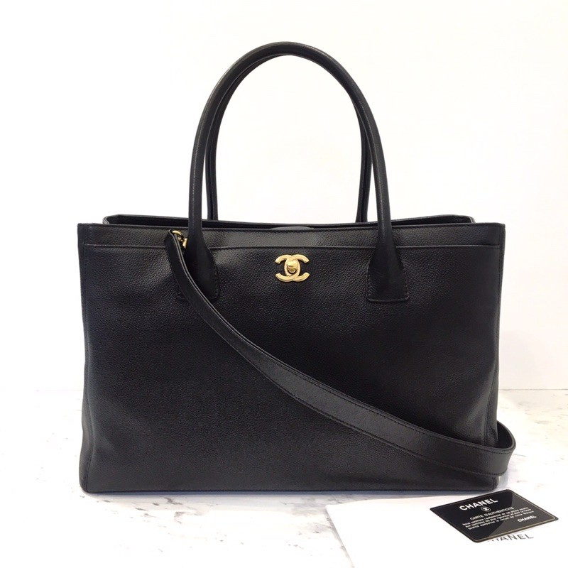 Chanel Executive Tote Holo18 ดำ/ทองสวย ราคาดีกว่า gst อีก จัดค๊า
