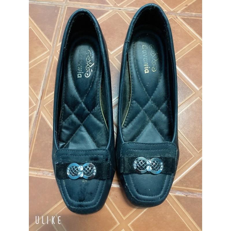 รองเท้าคัชชูแฟชั่นมือสองไซร์38สีดำ
