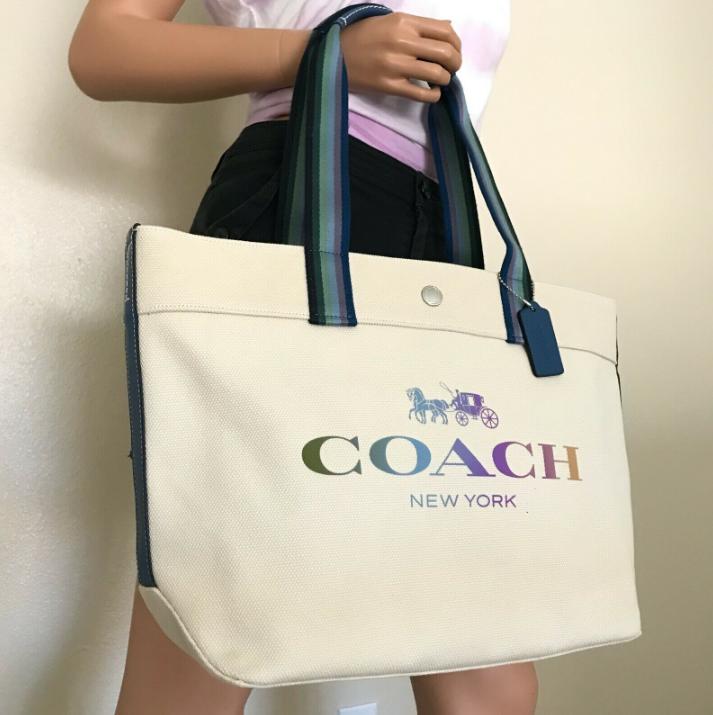 COACH กระเป๋าสะพายข้าง รุ่นใหม่ กระเป๋าผ้าแคนวาสผู้หญิง