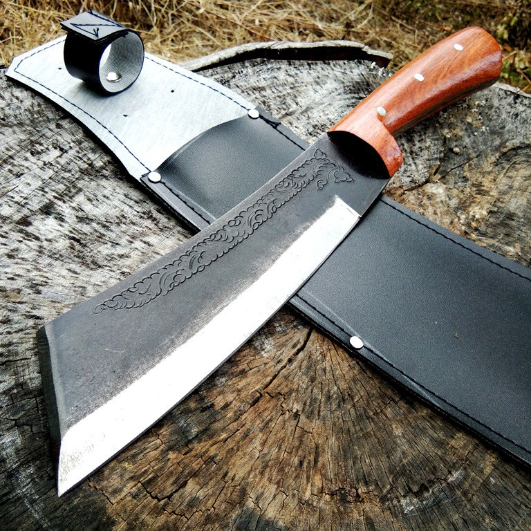 มีดเดินป่า มีดอรัญญิกแท้ มีดหัวตัด ใบมีด 8.5 นิ้ว เหล็กแหนบเยอรมัน SK60C D2 ชุบแข็ง รมดำ สลักลายไทย ด้ามไม้ พร้อมฝักหนัง