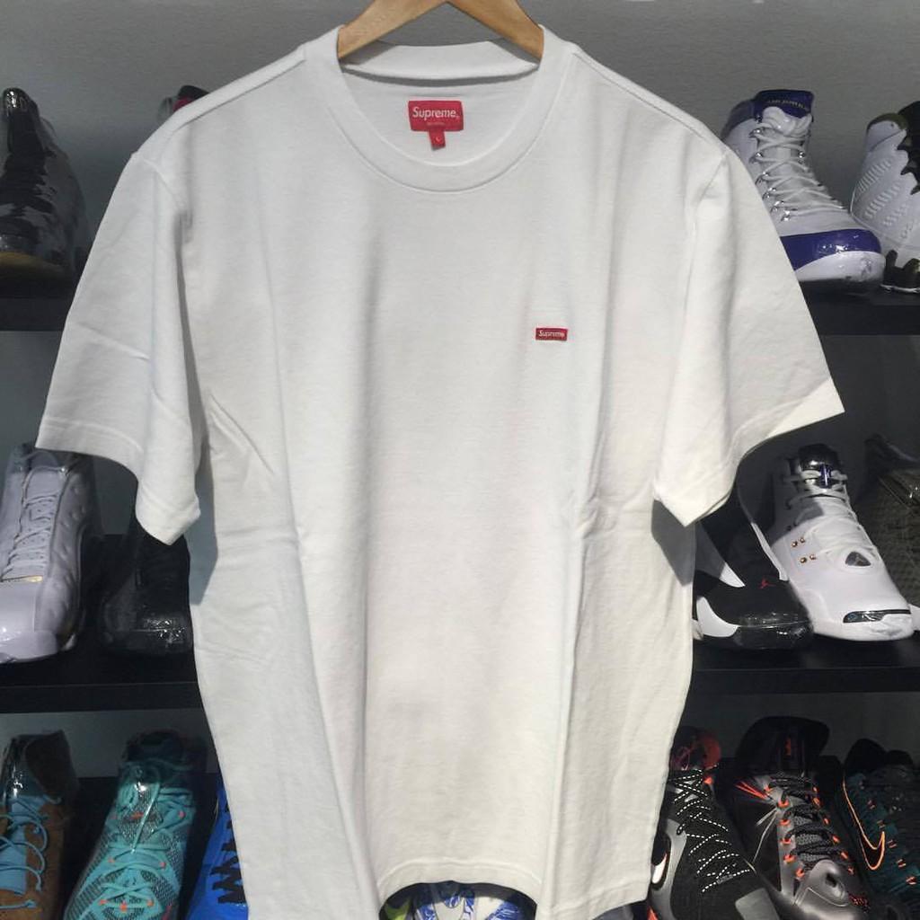 เสื้อ Supreme Small Box Pique Tee White  Size M 🔥 [ของแท้ 100%]   (ใหม่ไม่เคยใช้งาน) ⚡️