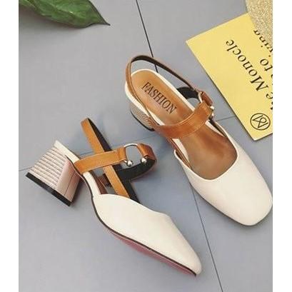 รองเท้าคัชชู แบบรัดส้น สีครีม
