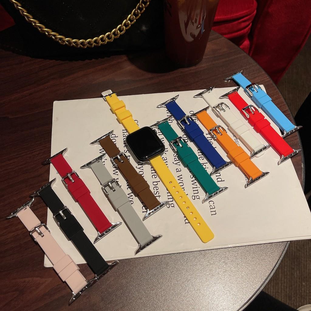 2021สายแฟชั่นสุภาพสตรี Apple Watch strap วัสดุซิลิโคน  iWatch Series SE 6 5 4 3 2 1สาย applewatch 38 40 42 44mm