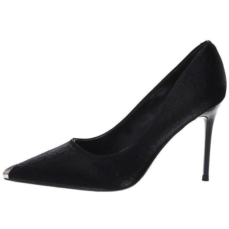 (มีสินค้า)รองเท้าส้นสูง Stiletto รองเท้าผู้หญิงสีขาวรองเท้าคัชชูหัวแหลมมืออาชีพสีดำ