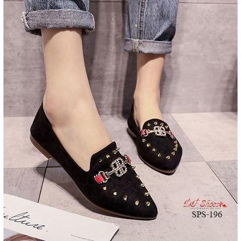 รองเท้าคัชชูส้นเตี้ย หัวแหลม สีดำ