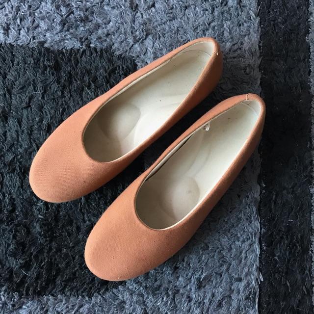 รองเท้าคัชชู muji ของแท้ size 24.0 cm.