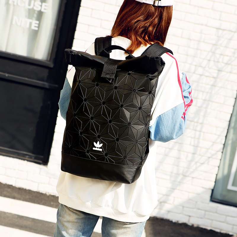 Fashion Outdoor Backpack Men Woman Unisex Backpack Travel Bags Adidas Bags กระเป๋าเป้นักเรียนแบบสบาย ๆ