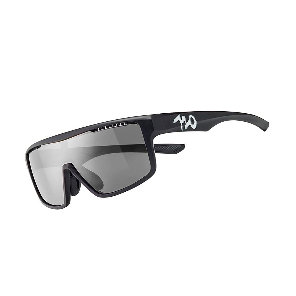 แว่นตากันแดด 720armour รุ่น Alpha สีกรอบ Matte Black สีเลนส์ Polarized Smoke