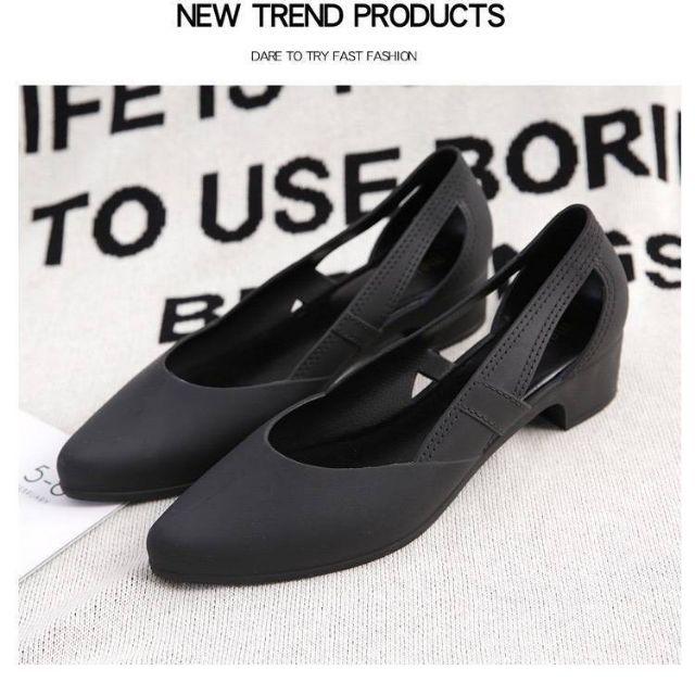 รองเท้าคัชชูยาง สีดำ