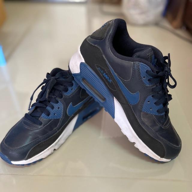 รองเท้า Nike AirMax 90 สีน้ำเงินดำ เบอร์39 สภาพใหม่มาก ซื้อมาใส่แค่2ครั้ง