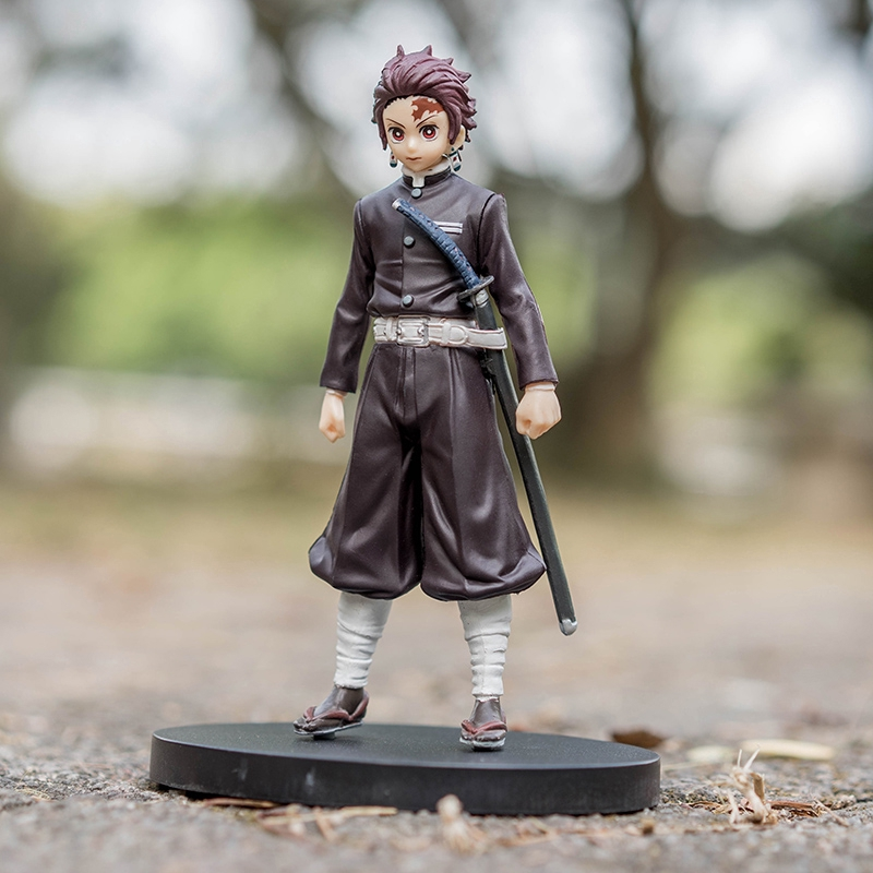 16cm Demon Slayer Kimetsu no Yaiba Tanjirou Figure Kimetsu no Yaiba Figure Black Tanjirou Kamado PVC Warrior Model Toys