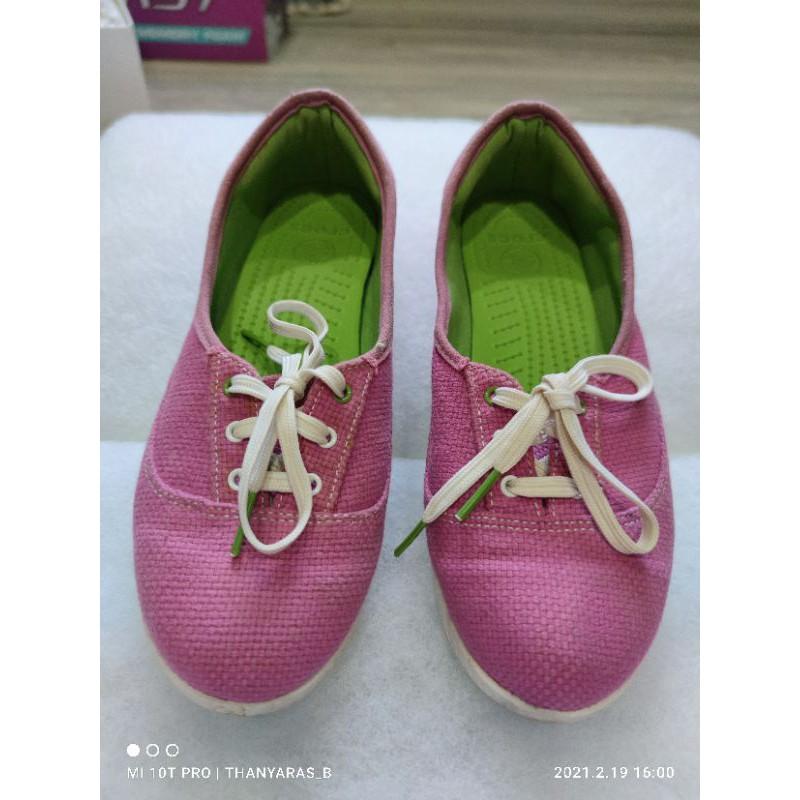 รองเท้าผ้าใบ CROCS แท้