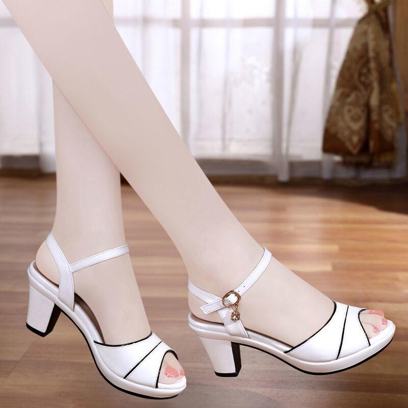 รองเท้าส้นสูง หัวแหลม ส้นเข็ม ใส่สบาย New Fshion รองเท้าคัชชูหัวแหลม  รองเท้าแฟชั่นรองเท้าแตะผู้หญิงในช่วงฤดูร้อนของผู้ห