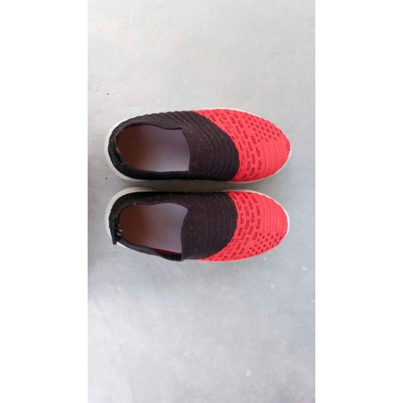 นาทีทอง!! ลดราคา-31/12  รองเท้าผ้าใบ เด็กผู้ชาย เบอร์25