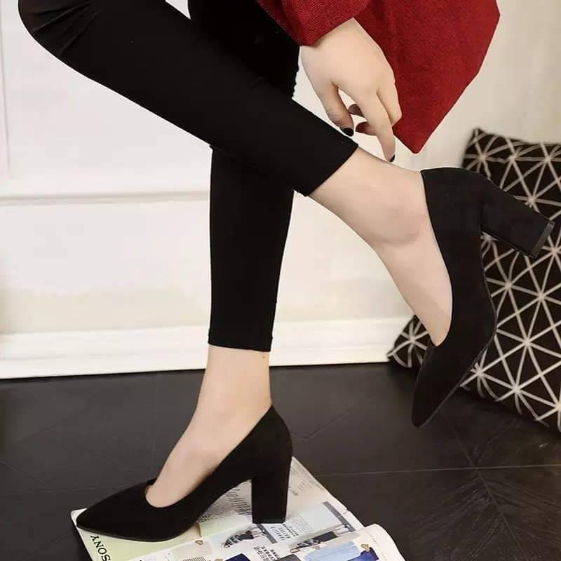 ❁✕✐✨✨ คัชชูหัวแหลมส้นสูงผู้หญิง รองเท้าส้นสูงแฟชั่นขายดี รองเท้าคัชชูส้นสูง 2 นิ้ว สีเทา / สีดำ สีแดง