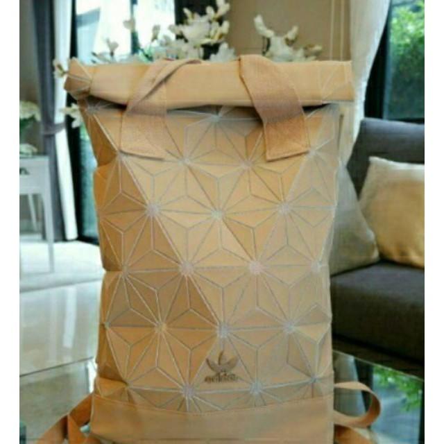 กระเป๋าเป้ Adidas 3D แท้!..พร้อมส่ง Roll Top Backpack Y2019 N2bn