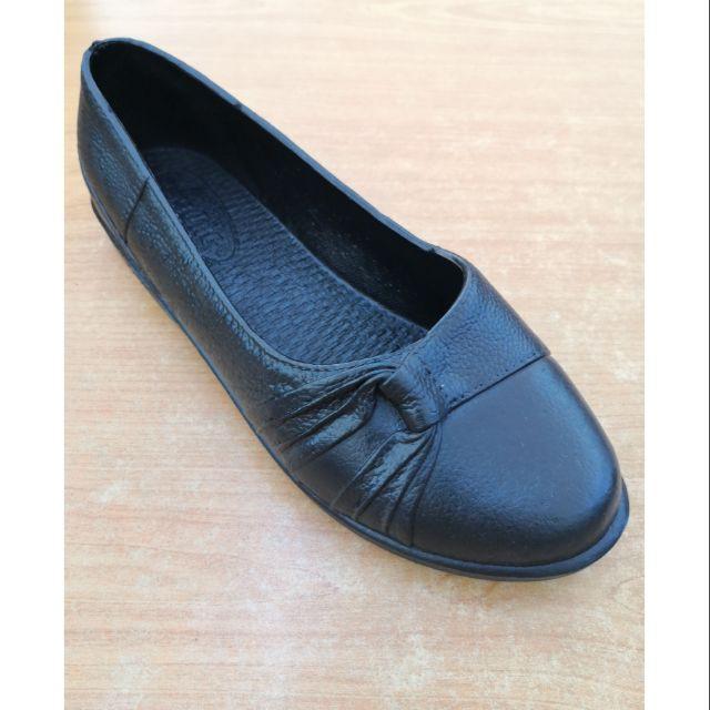 รองเท้าคัชชู สีดำ สำหรับสตรี
