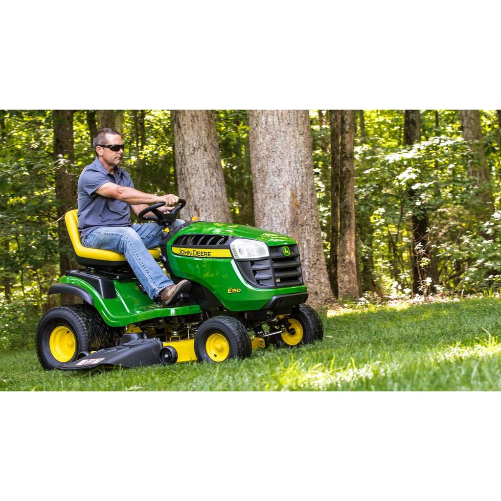 รถตัดหญ้าแบบนั่งขับ, เครื่องตัดหญ้า, รถตัดหญ้าแบบนั่งขับ John Deere E 100