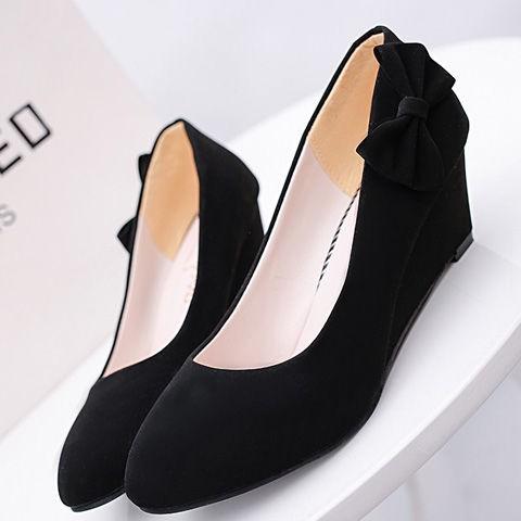 ฤดูร้อนปี 2021 ใหม่รองเท้าส้นสูงรองเท้าหนังนิ่มทุกแบบที่เข้าคู่กัน รองเท้าคัชชูส้นเตี้ยผู้หญิงปั๊มโบว์สีดำรองเท้าส้นเตี้