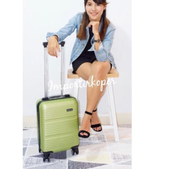 กระเป๋าเดินทางขนาดมินิ 16 นิ้ว