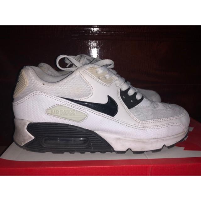 รองเท้า Nike AIR MAX 90ESSENTIAL