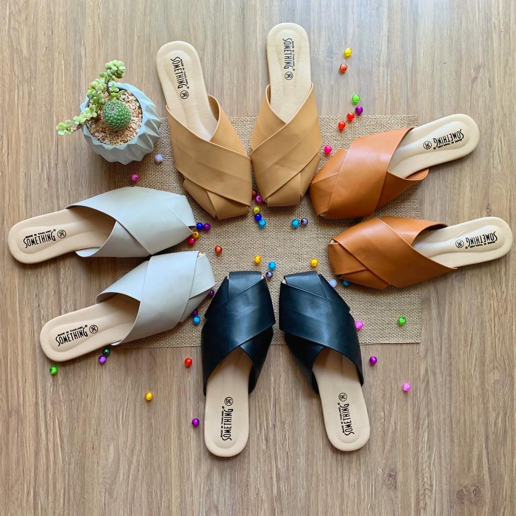 รองเท้าคัชชูเปิดส้น รองเท้าคัชชูผู้หญิง เปิดส้น รองเท้าส้นแบนหัวแหลมรองเท้าเปิดส้นหนังดีมาก🌈(หนังนิ่มน้ำหนักเบามาก)🌈