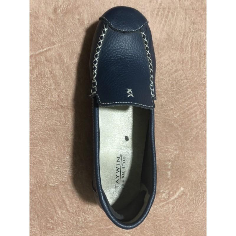 รองเท้าคัชชูผู้หญิงหนังแท้ taywin โลฟเฟอร์สีน้ำเงิน มือสอง