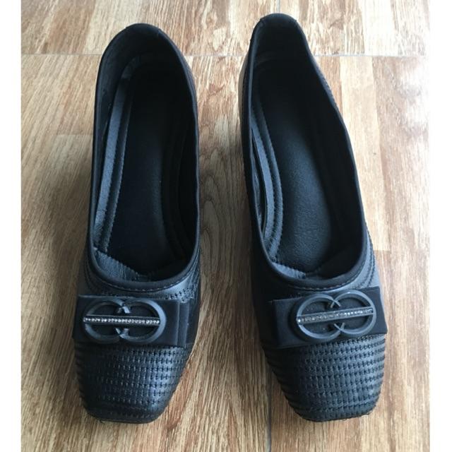 รองเท้าคัชชูสีดำโบว์