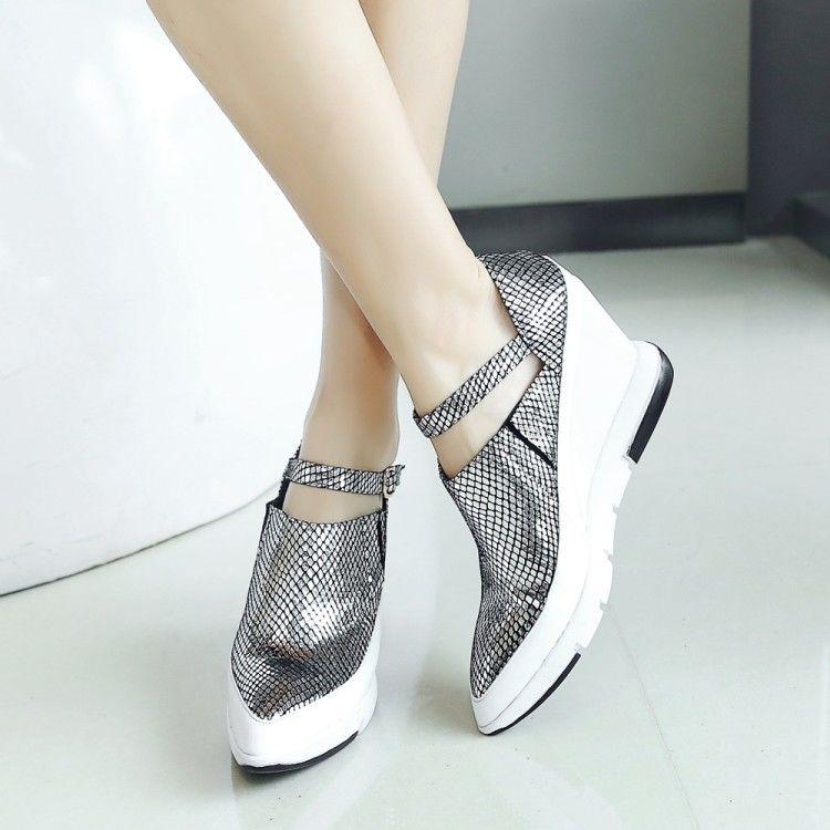 รองเท้าคัชชูส้นเตารีด ขายุโรป2019ฤดูใบไม้ผลิและฤดูใบไม้ร่วงหนังใหม่ชี้รองเท้าแพลตฟอร์มหนาหญิงลิ่มป่ารองเท้าลำลองรองเท้าเ
