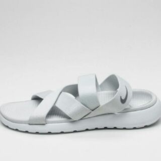 finest selection e0b1d 7d4e9 ... Nike Roshe One Sandal.
