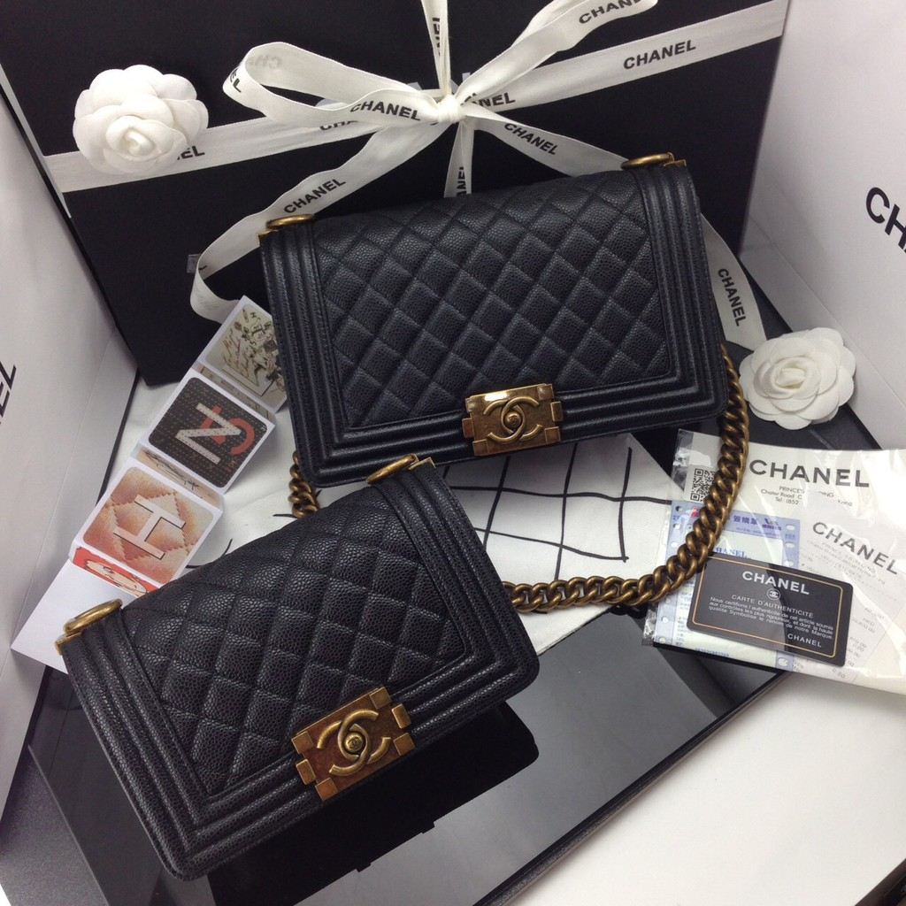 กระเป๋าสะพาย ชาแนล แบรนด์เนม Chanel Boy ขนาด 8 และ 10 นิ้ว หนังคาเวียร์ อะไหล่ทอง