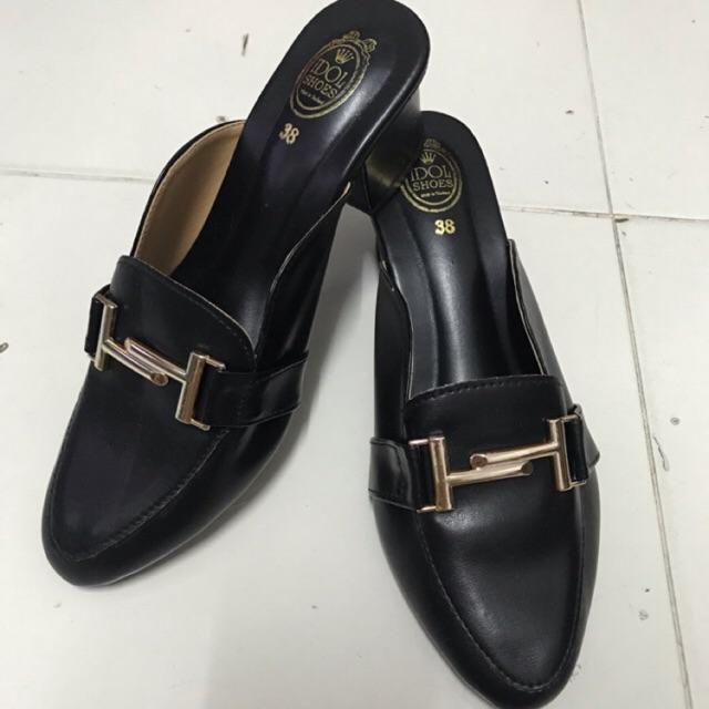 รองเท้าคัชชู สีดำ 37
