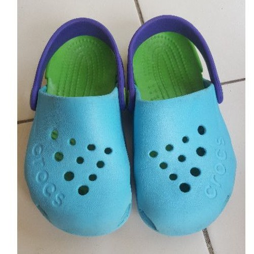 รองเท้าลำลองเด็กมือสอง crocs 16 เซน