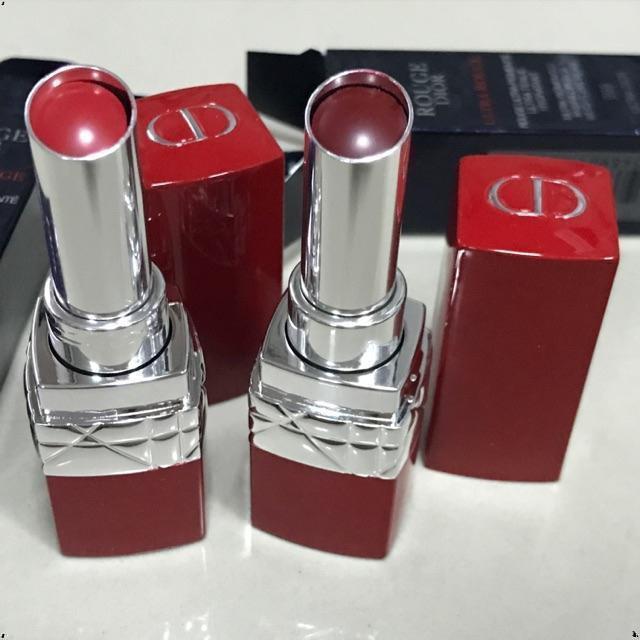 สูตรน้ำ แท้ 💯% Dior Rouge Dior Ultra Rouge Lipstick พร้อมส่งสี 851,999 แท่งใหญ่พร้อมกล่องค่ะ ตัวแท่งมีตำHKO ชุดแต่ง