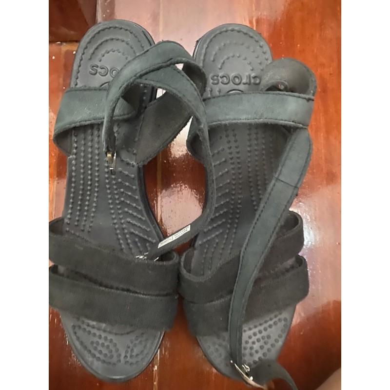 รองเท้า crocs มือสอง